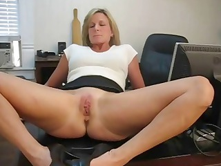 Lick mommys cunt sissy